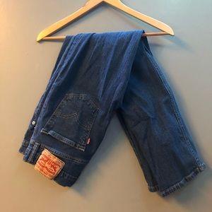 LEVIS • 513 Jeans